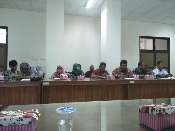Camat Kutoarjo hadiri Rapat Koordinasi Komisi Pengawas Pupuk dan Pestisida
