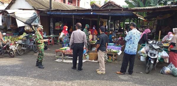 Operasi Yustisi Gugus Tugas Covid di Pasar Gembor